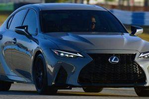 Cận cảnh Lexus IS 500 F Sport Performance Launch Edition 2022