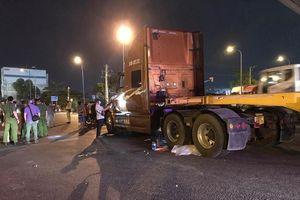 TP.HCM: Va chạm với container, 3 bà cháu thương vong