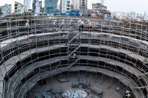 1.000 công nhân làm việc 2 ca để đẩy tiến độ ga metro Bến Thành