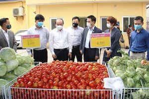 Hỗ trợ tiêu thụ hàng trăm tấn nông sản, 10 vạn trứng gà cho người dân vùng dịch Covid-19
