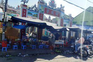Hàng rong bủa vây di tích LSVH đình Phước Thạnh