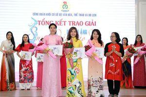 Công đoàn Khối cơ sở Bộ VHTTDL tổng kết, trao giải Hội thi ảnh Duyên dáng áo dài