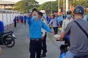 Nhóm bảo vệ dùng gậy, tuýt sắt đánh vỡ đầu nam công nhân