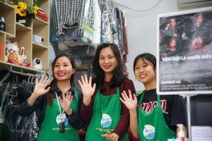 Tiệm giặt là đặc biệt của ba cô gái khiếm thính ở Hà Nội