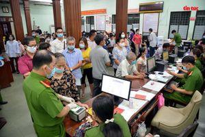 TP Hồ Chí Minh dồn lực cấp căn cước công dân gắn chip cho người dân