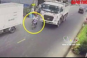 Nhấn ga vượt bất cẩn, người đàn ông bị xe ben cán tử vong