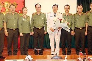 Chuẩn y Thiếu tướng Lê Văn Tuyến làm Phó Chủ nhiệm Thường trực UBKT Đảng ủy CATU