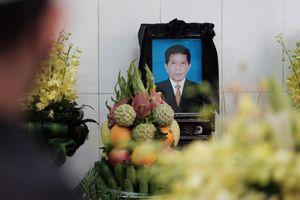 Nhiều văn nghệ sĩ lớn tiễn đưa nhà văn Nguyễn Huy Thiệp
