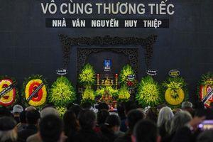 Thương tiếc tiễn đưa nhà văn Nguyễn Huy Thiệp