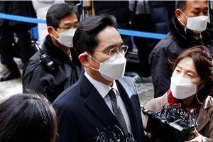 'Thái tử Samsung' bị sốt, phiên tòa xét xử tạm hoãn