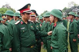 Kiểm tra kết quả huấn luyện chiến sĩ mới tại Trung đoàn 19, Sư đoàn 968