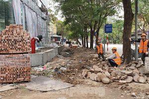 Thanh tra xây dựng lên tiếng vụ tự ý 'băm nát' cả nghìn mét vỉa hè Hà Nội