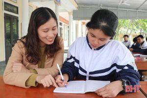 Món quà đặc biệt của nữ sinh trường làng ở Hà Tĩnh dành tặng mẹ