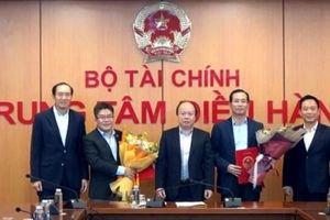 Bộ Tài chính bổ nhiệm hàng loạt lãnh đạo chủ chốt ngành chứng khoán Việt Nam
