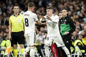 Real Madrid mất cùng lúc 2 tiền vệ trụ cột Kroos và Valverde