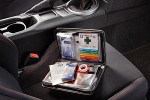 Những vật dụng sơ cứu thiết yếu cần có trên ô tô