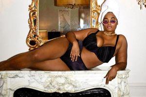 Người mẫu ngoại cỡ da màu đầu tiên xuất hiện trên tạp chí áo tắm