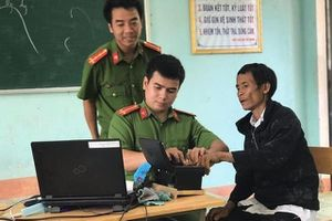 'Người rừng' Hồ Văn Lang được làm căn cước công dân gắn chip