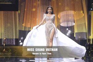 Màn trình diễn trang phục dạ hội của Á hậu Ngọc Thảo nhận 'mưa lời khen'