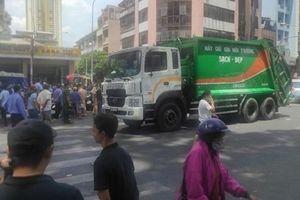 Tin giao thông đến sáng 26/3: Xe chở rác tông người phụ nữ bán vé số tử vong; nam thanh niên thiệt mạng khi tông vào dải phân cách