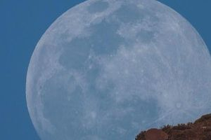 Việt Nam sắp đón 'siêu trăng giun' khổng lồ, chỉ tròn sau ngày rằm