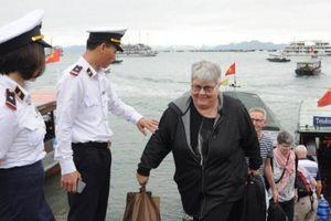 Phương tiện thủy được cấp giấy phép vào, rời ngay tại cảng, bến