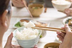 Vừa ăn cơm xong, chớ dại mà uống ngay 4 loại nước này để 'ôm họa' cho các bộ phận của cơ thể