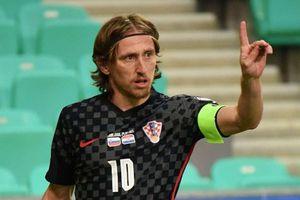 Modric đi vào lịch sử tuyển Croatia