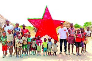 Chàng thợ xây và điều kỳ diệu ở châu Phi