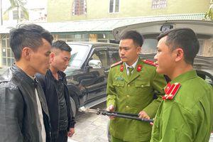 Hai kẻ bịt mặt đột nhập nhà vườn ở Thanh Hóa trộm lan đột biến tiền tỷ