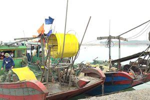 Hải Hà: Tạm giữ hai phương tiện khai thác thủy sản trái phép