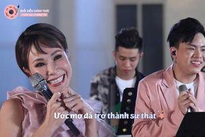 Hứa Kim Tuyền khoe 2 ca khúc nối tiếp 'thống trị' iTunes, Uyên Linh vào 'bóc phốt' luôn: 'Audio bị lỗi cũng bán hả?'