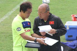 Ông Park đau đầu tìm cặp tiền vệ giữa