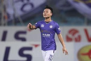 Quang Hải xuất trận, Hà Nội FC vật vã cầm hòa trước đội bóng cuối bảng