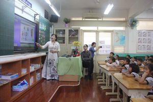 Thành phố Hồ Chí Minh thực hiện chia sẻ giáo viên để bù thiếu hụt