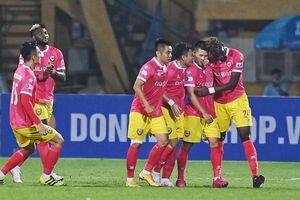 Hồng Lĩnh Hà Tĩnh khiến Hà Nội FC 'đau tim' tại Hàng Đẫy
