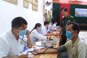 Khám chữa bệnh và cắt tóc miễn phí cho nhân dân khu dân cư văn hóa biển Tân Trung