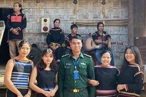 Thượng úy biên phòng giúp người dân phát triển kinh tế