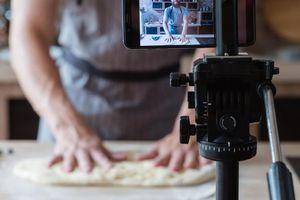 Đang trốn truy nã nhưng vẫn nổi hứng làm YouTuber dạy nấu ăn, gã mafia bị cảnh sát tóm gọn nhờ vào một chi tiết