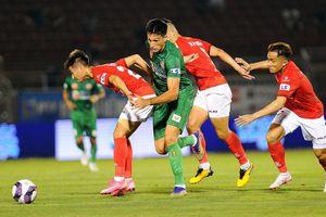 Sài Gòn FC và CLB TP.HCM lao dốc không phanh