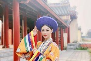 Cùng Á hậu Kiều Loan vi vu các tỉnh thành miền Trung