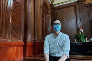 Nam tiếp viên hàng không làm lây nhiễm COVID-19 bị tuyên 2 năm tù treo