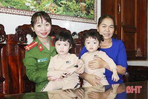 Những nữ chiến sỹ công an Hà Tĩnh gác lại niềm riêng, dốc sức cùng 'chiến dịch' căn cước công dân