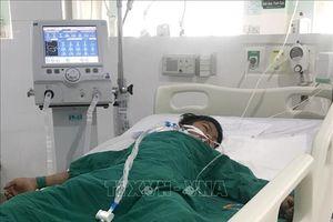 Việc cứu chữa cho chùm ca bệnh nghi ngộ độc tại Kon Tum gặp khó khăn