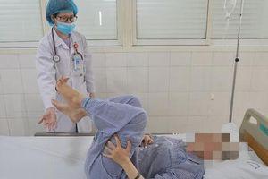 Sử dụng bóng cười, nam sinh 20 tuổi suýt liệt 2 chân