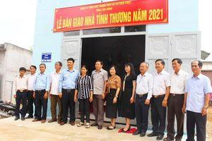 Huyện Xuân Lộc: Trao tặng 10 căn nhà tình thương cho các hộ nghèo