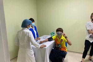 Những VĐV Việt Nam đầu tiên được tiêm vaccine Covid-19