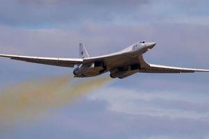 Máy bay ném bom Nga áp sát không phận NATO