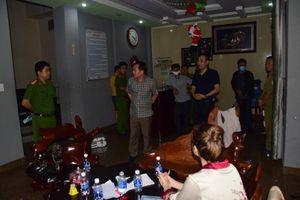 Tạm giữ hình sự 14 người dương tính ma túy tại nhà nghỉ ở Huế