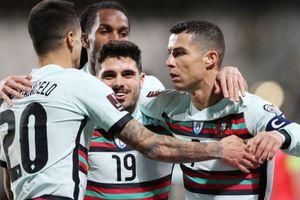 Ronaldo ghi bàn đầu tiên ở vòng loại World Cup 2022
